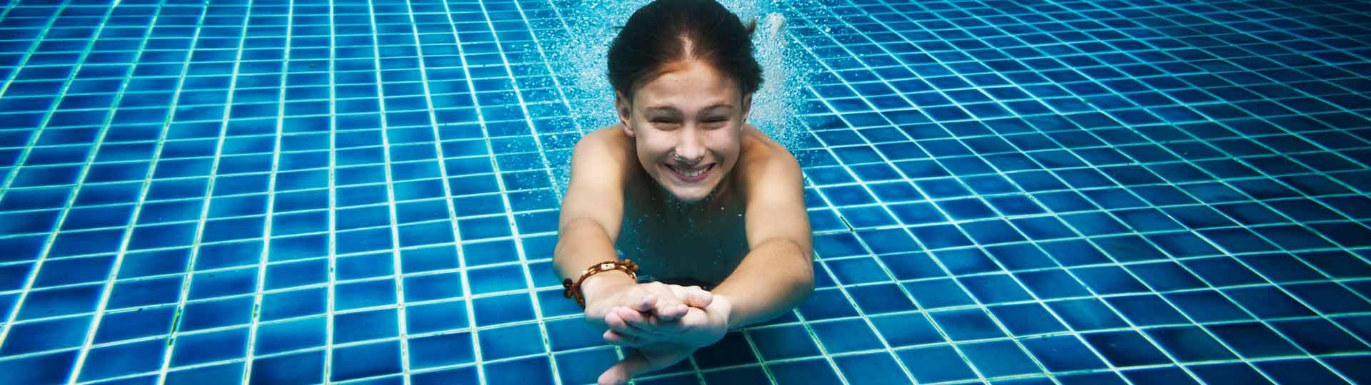 Consejos para evitar accidentes en la piscina con los niños