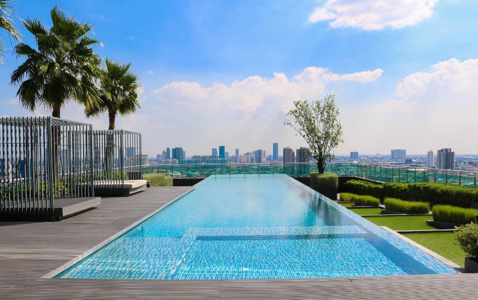 piscina en perfecto estado