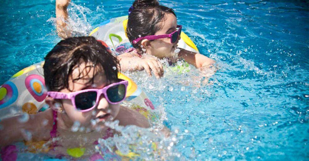 seguridad-ninos-piscina